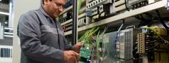 Field Service Elektrische Antriebe und Steuerungen_klein